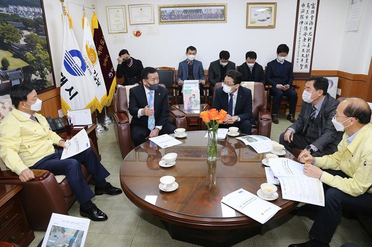 """초정~화명 광역도로 건설 """"부산-경남"""" 의회  힘 합친다 관련 이미지 입니다."""