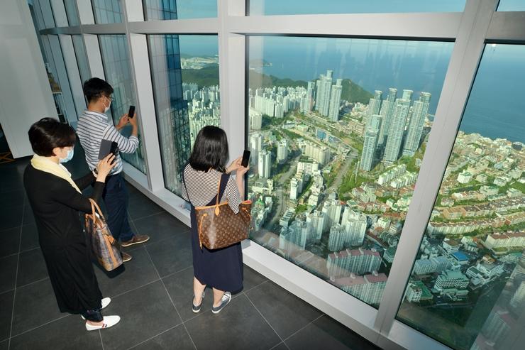 釜山最高層ビルの上層から見る景色はいかに?